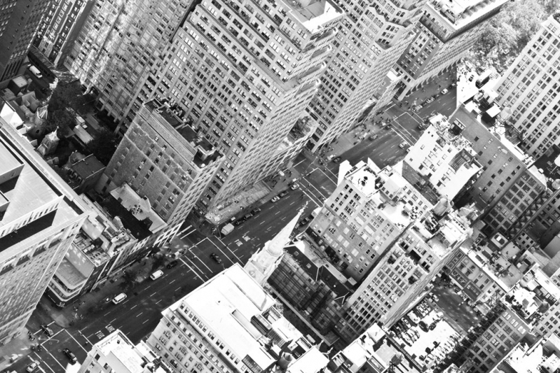 looking_down_on_nyc_bw.c8ayr2m2lds0oscwoogcgcgck.7ex6yk4h7lwk8sgo8gc4w4g4s.th